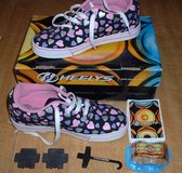 HEELYS SIZE UK 6 / USA 7 / EUR 39 / CM 25 in Lakenheath, UK