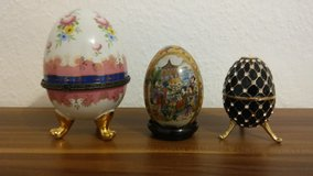 Set of original porcelain decoration eggs in Wiesbaden, GE