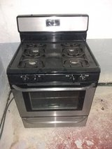 FRIGIDAIRE GAS STOVE in Glendale Heights, Illinois