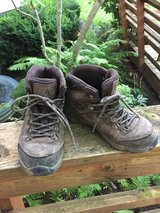 Size 5 hiking boots in Chicago, Illinois