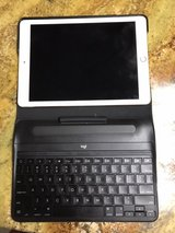 256 GB iPad Pro ipencil supported with keyboard case in Fort Campbell, Kentucky