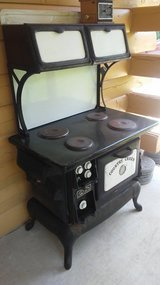 Antique Electric Oven and Stove in Kingwood, Texas