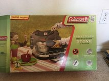 camping stove. 2 burner Nearly NEW in Camp Pendleton, California