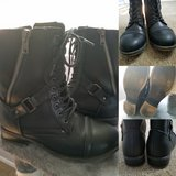 Black zipper boot (8/womens) in Chicago, Illinois