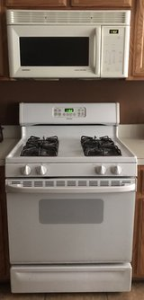stove,microwave,&dishwasher in Fort Campbell, Kentucky