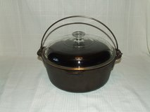 Vintage Wagner Cast Iron 5 Qt. Dutch Oven / Pyrex Lid in St. Charles, Illinois
