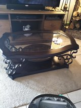 Beautiful oval wood coffee table in Alamogordo, New Mexico