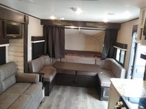 Jayco Jay Feather X23B Hybrid Travel Trailer in Fort Leonard Wood, Missouri