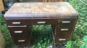 Vintage Desk in Fort Leonard Wood, Missouri
