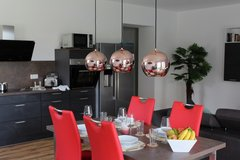 Luxurious TLA 1 BR Apt, 5 min from LMRC or Voegelweh, 10 min from RAB, Air Con in Ramstein, Germany