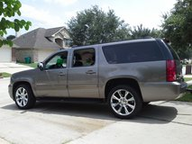 SAFE/CLEAN. 2011 GMC YUKON XL, 3rd Row in Kingwood, Texas
