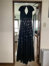 Tony Bowls Ball Gown Size 12 in Okinawa, Japan