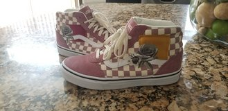 women's Vans size 8.5 in Quantico, Virginia