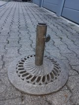 Umbrella Stand/Base Metal in Stuttgart, GE