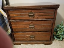 3 drawer dresser in Oswego, Illinois