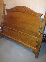 Queen Bed solid wood headboard and footboard in Wiesbaden, GE