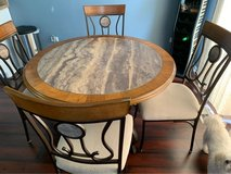 dining table and 4 chairs in Aurora, Illinois