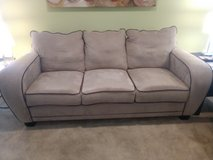 Price reduced -  Like new couch in Beaufort, South Carolina