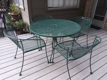 Wrought iron table & chairs in Houston, Texas