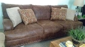 Beautiful sofa & loveseat 18 months old in Pasadena, Texas
