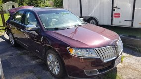 2010 Lincoln MKz PARTS (rear end totaled) in Fort Leonard Wood, Missouri