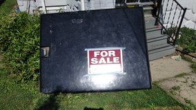 hard bed cover for chevy s-10 short bed in Naperville, Illinois