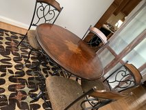 Dining room set includes matching rug in Fort Belvoir, Virginia