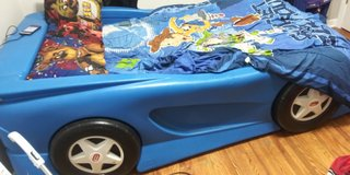 Cars bed and desk in Joliet, Illinois