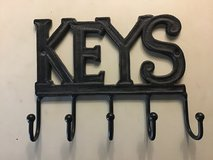 Cast iron keys holder, app 7.5 x 6 inches in Kingwood, Texas