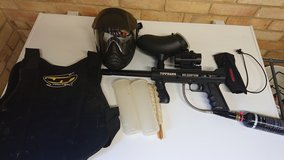 Paintball marker. Helm.  Tactica Holographic Red Green Dot in Lakenheath, UK