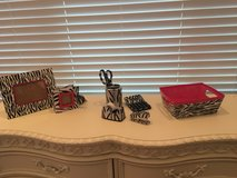 Teen/kids desk accessories and bedding in Chicago, Illinois
