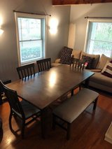 Dining Table w/ leaf & bench in Naperville, Illinois
