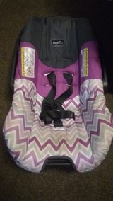 Infant car seat (Girl) in Beaufort, South Carolina