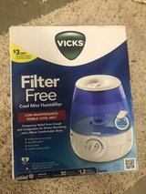 Vick's Filter Free Cool Mist Humidifier in Beaufort, South Carolina