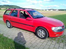 Opel Vectra Caravan automatic with NEW Inspection and service in Grafenwoehr, GE