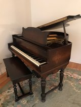 Baby Grand Piano 6 legged in Westmont, Illinois