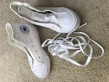 Converse All Star (Chuck Taylor) Youth Size 11 in Westmont, Illinois