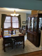 Nice dining room set. Too big for our small house. in Glendale Heights, Illinois