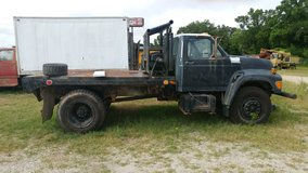 1995 ford winch truck in Kingwood, Texas