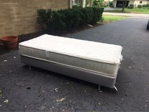 mattress and bed frame in Glendale Heights, Illinois
