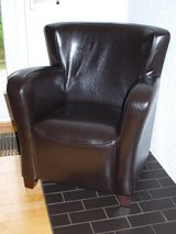 must go:New (PERFECT CONDITION) Lounge Chair Brown (came with the place) in Wiesbaden, GE