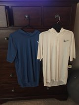 Nike T-shirt with hoodie brand new size Small in Kingwood, Texas