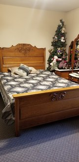 Antique Oak Bed in Chicago, Illinois