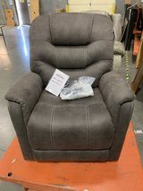 Huge Tent Sale; Power Lift Chair in Fort Campbell, Kentucky