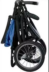 RoadMaster Jogger Travel System with SnugRide 30XL in Palatine, Illinois