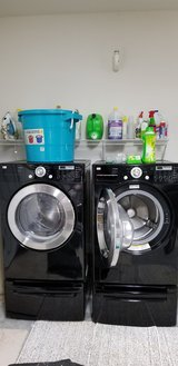 LG Front Load Washing Machine and Dryer in Camp Lejeune, North Carolina