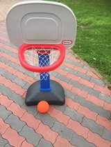 Little Tikes Basketballhoop in Ramstein, Germany