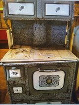 Antique Home Comfort cook stove in Alamogordo, New Mexico
