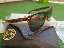 Ray Ban Sunglasses Brown Black in Ramstein, Germany