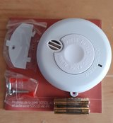 Brand new Smoke alarm with batteries in Baumholder, GE